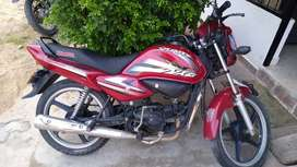 Vendo. Hero splendor   buena de motor  1'300.000 negociable