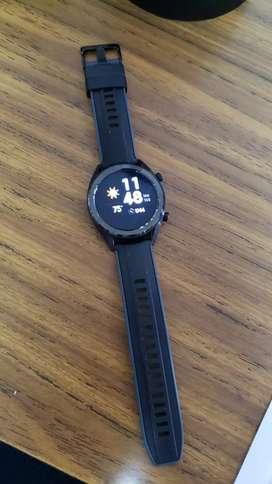 Huawei watch gt seminuevo $180