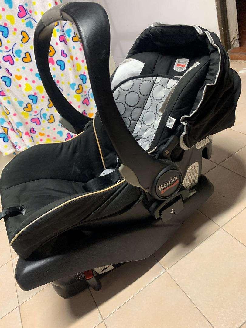 Silla transportadora para bebe marca Britax 0