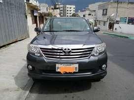 Vendo Toyota Fortuner 2.7 año 2014