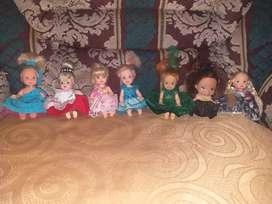 Muñecas hermosas en miniatura