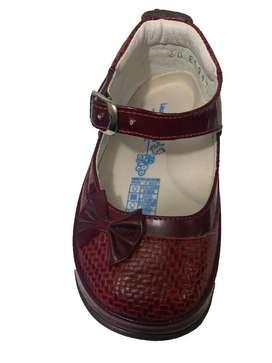 Zapatos niña vinotinto talla 20.
