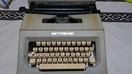 Maquina de Escribir Lettera 25 con funda