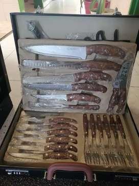 Se vende juego de cuchillos