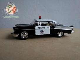Auto de colección [CHEVI 57] POLICE ChevroletBel Air 1957 12 cm