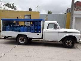 Vendo ford 350 en excelente estado batería nueva e inyección toda nueva motor pekinés 4
