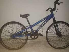 Bicicleta GW original profecional