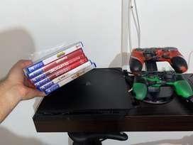 PS4 Slim 1 Tb, 2 controles originales, base para carga y 10 juegos!
