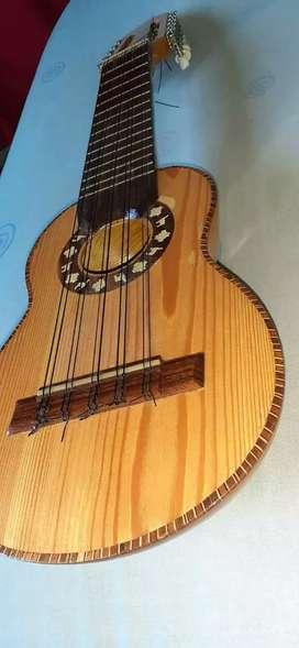 Charango artesanal