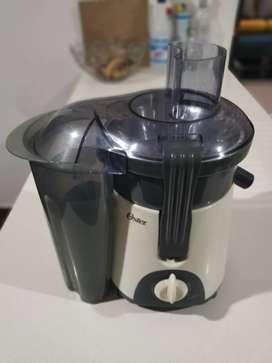 Extractor De Jugo Oster Fruta Natural 400 Watts