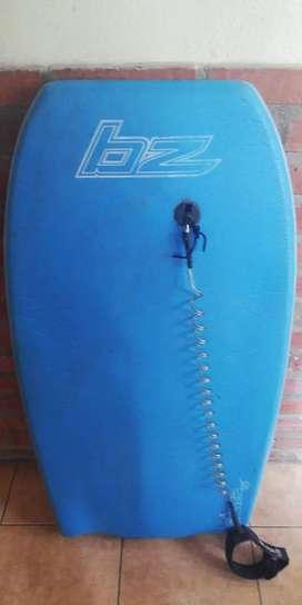 Vendo body bz y patas de rana o permuto por una tabla de surf