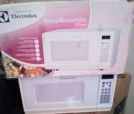 Se vende microondas nuevo marca Electrolux de 20 litros