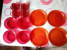 Vajilla roja marca Cristal 4 PLATOS Pando 4 platos hondos y 4 pocillos Nueva