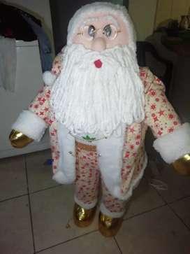 Papá Noel navideños, en diferentes estilos.