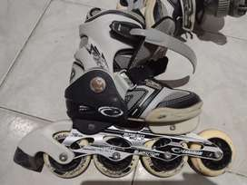 Vendo patines semiprofesionales Canariam Speed Bolt Negro Usados