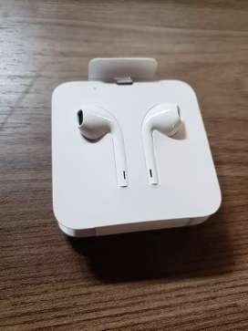 Audifonos iPhone nuevos con adaptador