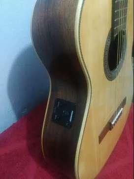 Guitarra Electrocriolla Fonseca 65 EQ fishman con funda