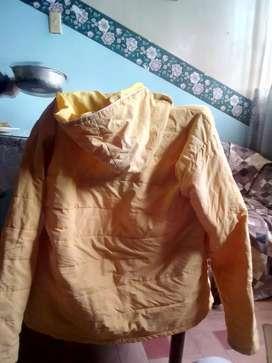bonita chaqueta capota