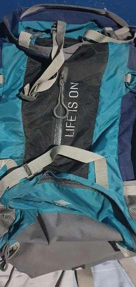 Vendo mochila alpine skate viajero de 60litros