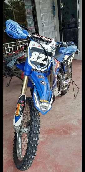 Vendo Yamaha YZ 250  2 tiempos para enduro y cross