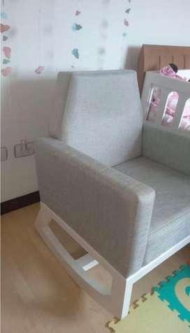 Espectacular silla mecedora