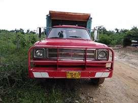 Vendo camión 300 Dodge artillado