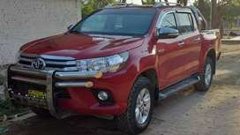 TOYOTA HILUX 4 x 4 FULL EQUIPO