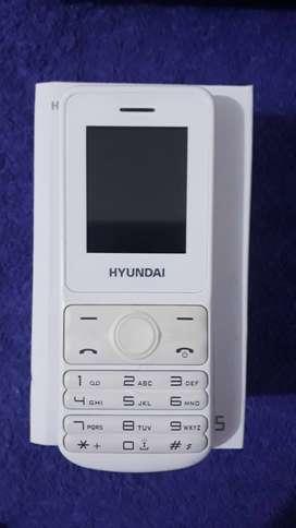 celular Hyundai básico