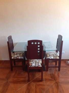 Comedor con 3 sillas