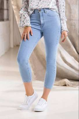 Jeans bota tubo tiro medio azul