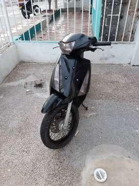 Aprovecha moto automática suzuki 125 solo tarjeta