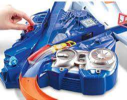 Pista - Hot Wheels Triple Track Twister