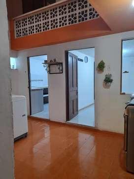 Habitación, cocina y baño