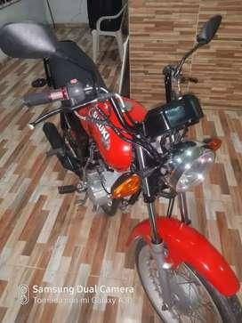 Vendo o cambio por moto semiautomática del mismo año o semejante