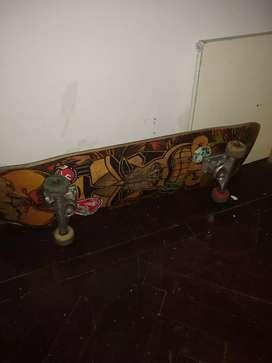 Skate con tabla CDP y trucks panter!