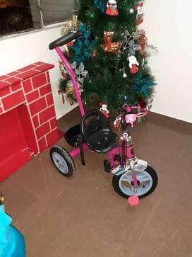 Vendo triciclo como nuevo 2 meses de uso