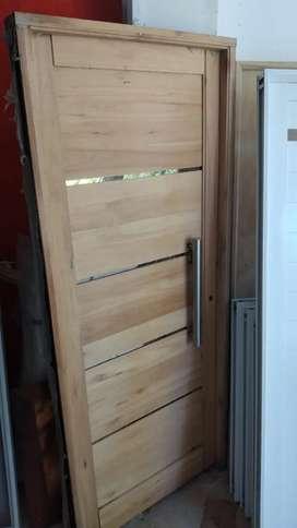 Puerta de madera cedrella