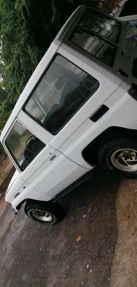 Se vende land Cruiser motor 2L