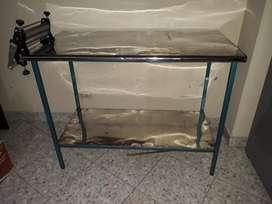 Mesa en Aluminio con Rodillo para Masa
