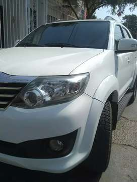 Toyota fortuner excelente 2015 Automatica