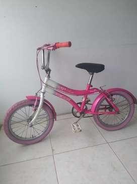 Bicicleta para niña en perfecto estádo