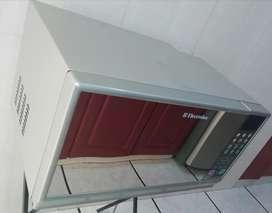 Microondas Electrolux EMDA28G3MJM