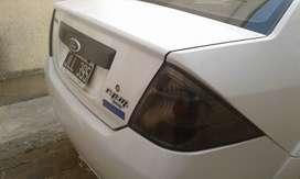 Vendo Ford Fiesta Max ambiente año 2010 con gnc, tubo grande