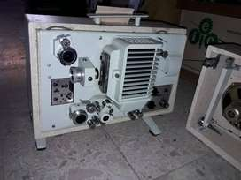 Maquina de cine profecional 16mm  y 8 mm