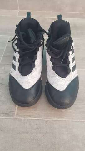 Zapatillas adidas de basquet