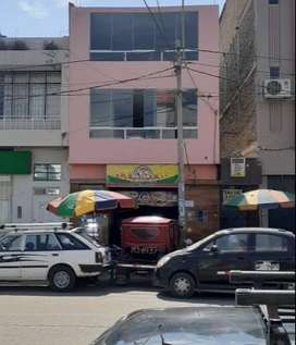 SE VENDE EDIFICIO EN AV. BALTA: LOCAL COMERCIAL+ DPTO EN 2DO PISO + DPTO EN 3ER PISO