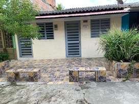 Se vende casa en el barrio las americas detras de la casa de la moneda, solo efectivo