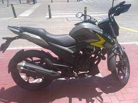 Se vende moto AKT CR4125