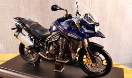Moto Triumph Tiger Explorer - Escala 1:18