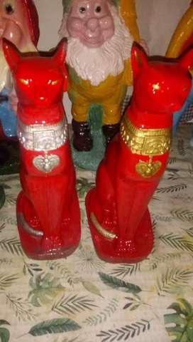 Estatuas.gatitos.los entrego en varela